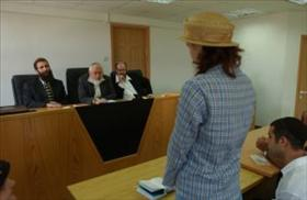 Candidate for conversion in the rabbinical conversion court in Jerusalem. 21.07.03. Photo: Flash 90